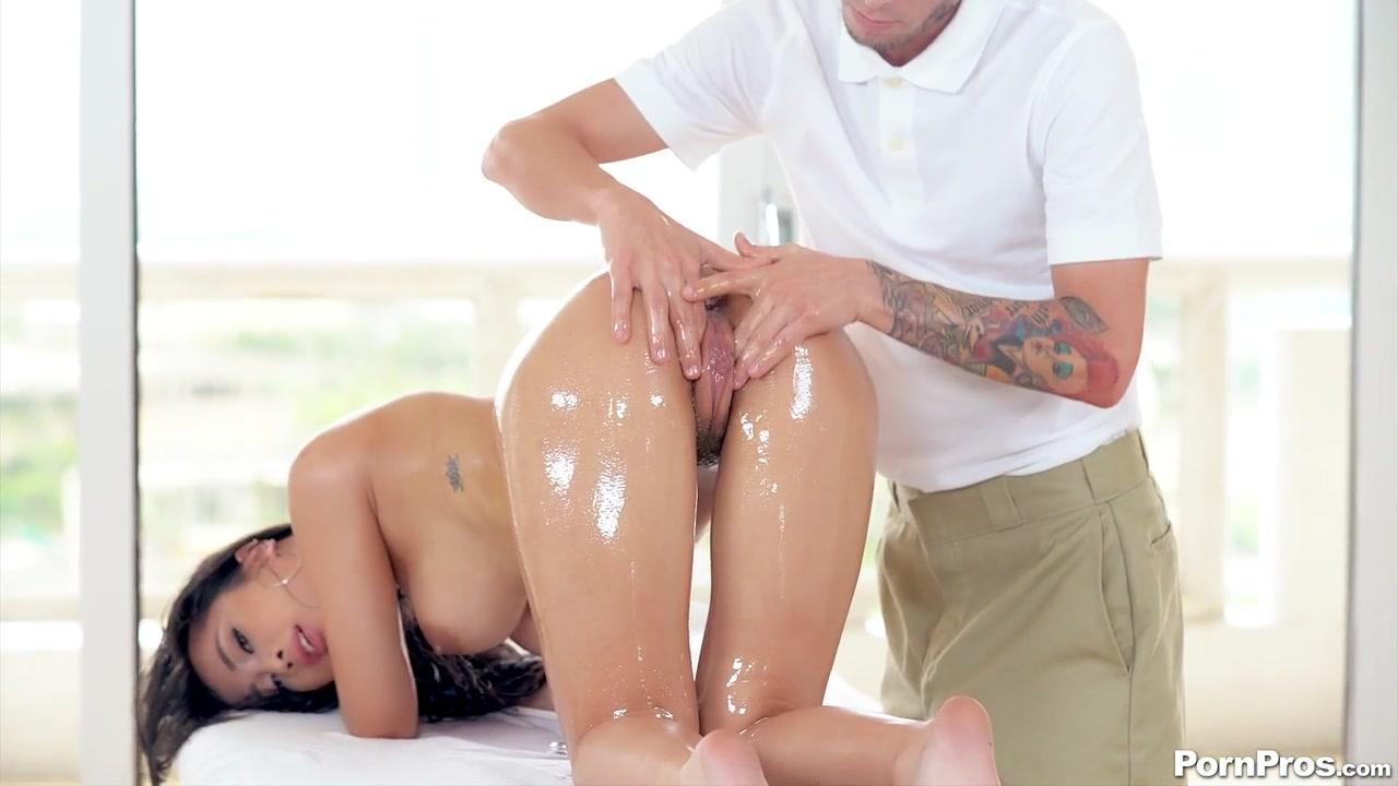 Xxx massage sex Massage Table